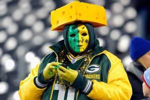 112512-NFL-fans-LN-G7_20121125211802308_600_400