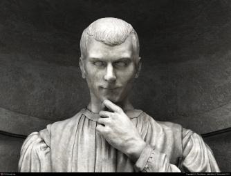 niccolo_machiavelli_statue-2